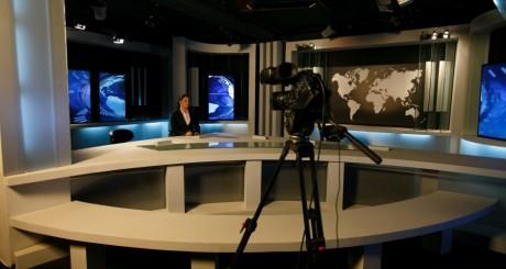 Un plateau d'une chaîne de télé en Algérie / REUTERS
