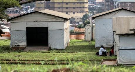 Un sas de décontamination du virus Ebola, Kampala, Ouganda / REUTERS