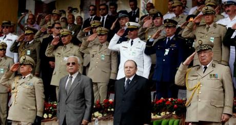 Abdelaziz Bouteflika lors d'une cérémonie militaire, Cherchell, juin 2012 / AFP