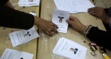 Dépouillement des bulletins, Alger, 17 avril 2014 / AFP