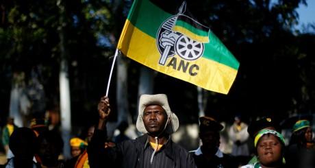 Un militant de l'ANC, Johannesburg, mai 2012 / REUTERS