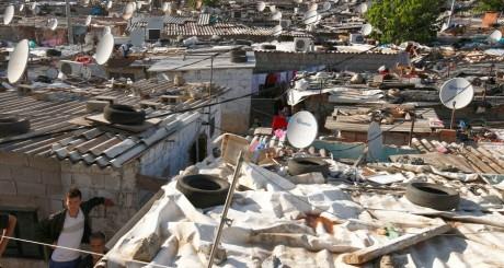 Une vue du bindonville d'Hofra, près d'Alger / REUTERS