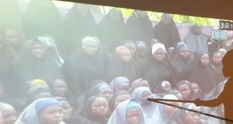 Une rescapée de Boko Haram identifie ses camarades encore retenues par la secte / REUTERS