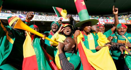 Des supporteurs du Cameroun lors de la Coupe du monde 2010 / REUTERS