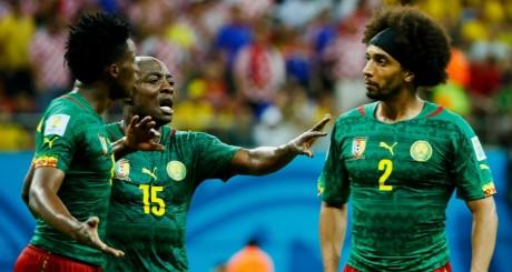 Webo essaie de séparer Moukandjo et Assou-Ekotto pendant le match contre la Croatie / REUTERS