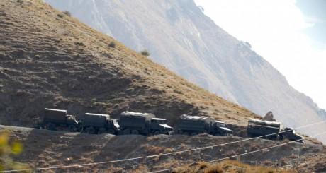 Patrouille de l'armée algérienne en Kabylie / REUTERS