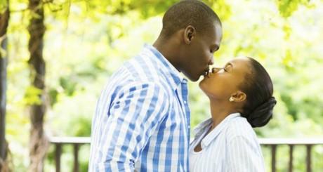 les étudiants zimbabwéens interdits de s'embrasser en public / ©Thinkstock