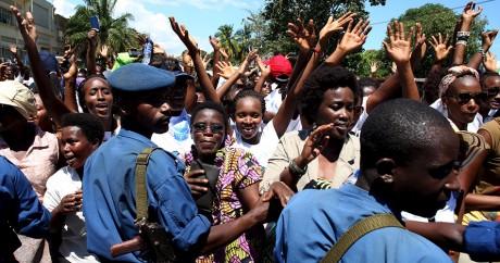 Des femmes burundaises manifestent contre Pierre Nkurunziza, le 10 mai 2015. REUTERS/Goran Tomasevic