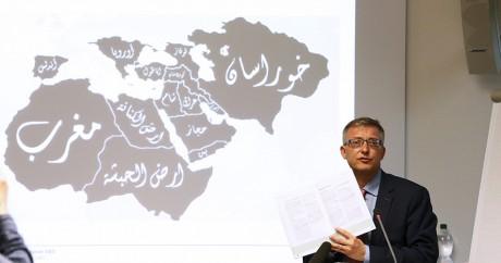 Une cartographie de l'EL projetée par les renseignements secrets suisses, le 4 mai 2015. REUTERS/Ruben Sprich