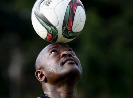 Pierre Nkurunziza lors d'une partie de football. Photo Reuters