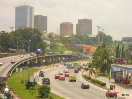 Le quartier d'affaires d'Abidjan en Côte d'Ivoire. Taki Tone via Flickr