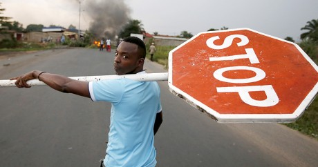 Un manifestant le 26 mai 2015 à Bujumbara. REUTERS/Goran Tomasev