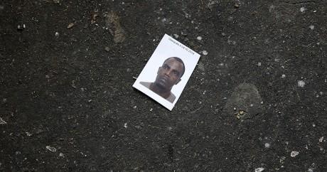 La photo d'identité d'un migrant érythréen à Paris, le 28 mai 2015. REUTERS/Benoit Tessier