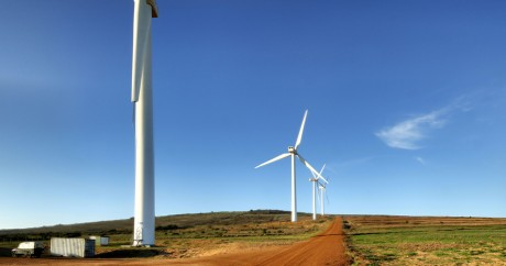 Une ferme d'éoliennes en Afrique du Sud. Crédit photo: Warrenski via Flickr