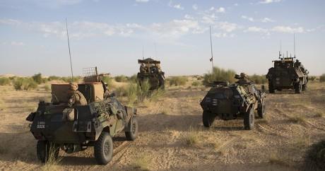 Des véhicules de l'armée française au Mali, le 5 novembre 2014. REUTERS/Joe Penney