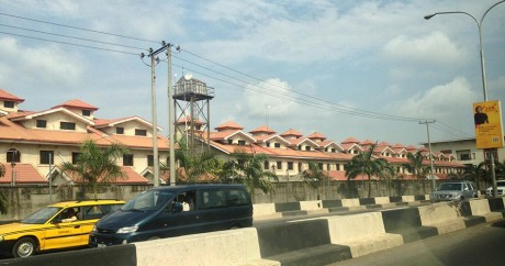 Un quartier résidentiel à Lagos. Crédit photo: afromusing via Flickr