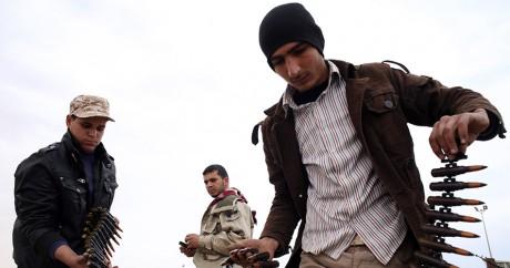 Une milice libyenne qui combat l'Etat islamique à Syrte. REUTERS/Goran Tomasevic