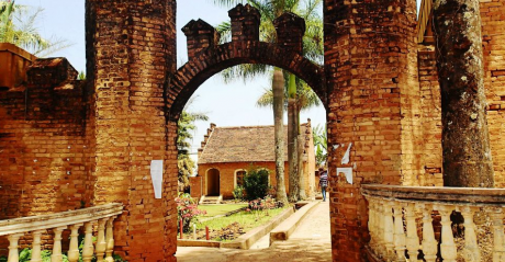 Bâtiment colonial allemand à Bamenda, au Cameroun | SarahTz via Flickr CC License by