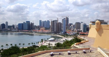 Le centre-ville de Luanda, en Angola, en plein boom. Crédit photo: David Stanley via Flickr.