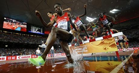 Les Kényans ont terminé aux trois premières places du 3.000 mètres steeple lundi 24 août à Pékin. REUTERS/Kai Pfaffenbach