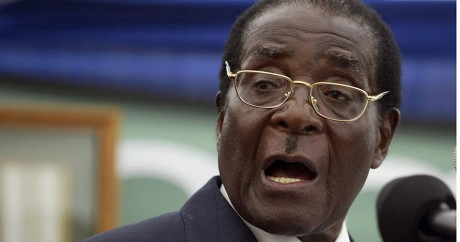 Robert Mugabe donne un discours en 2008. Photo: REUTERS/Philimon Bulawayo