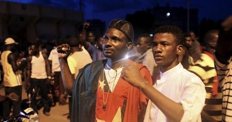 Des manifestants contre le coup d'Etat rassemblés devant la résidence du Mogho Naaba, le 21 septembre. Photo: REUTERS/Joe Penney