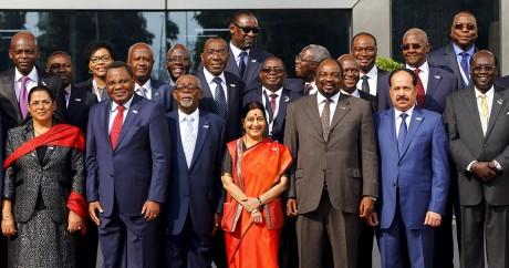 La ministre des Affaires étrangère indienne et ses homologues africains, le 27 octobre 2015. Crédit photo: REUTERS/Adnan Abidi