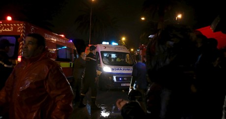 Des policiers sur le lieu de l'explosion à Tunis, le 24 novembre 2015. Crédit photo: REUTERS/Zoubeir Souissi