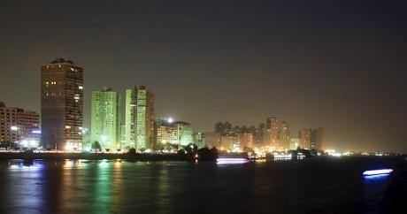 Une vue du centre-ville du Caire la nuit, le 3 juin 2015. Crédit photo: REUTERS/Amr Abdallah Dalsh