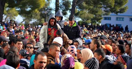 Des centaines de manifestants dans le centre-ville de Kasserine, le 21 janvier 2016. Crédit photo: REUTERS/Amine Ben Aziza