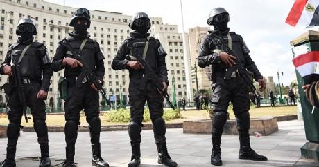 Des soldats égyptiens sur la place Tahrir, le 25 janvier 2016. Crédit photo: MOHAMED EL-SHAHED / AFP