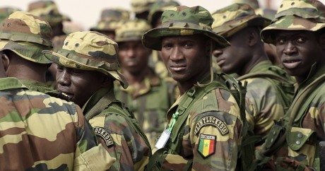 Des soldats sénégalais lors d'un exercice le 24 février 2016 à Thies. Crédit photo: SEYLLOU / AFP