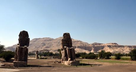 Les colosses de Memnon à Louxor: deux statues géantes de pharaons. Crédit photo:  Crédit MOHAMED EL-SHAHED / AFP