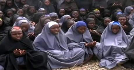 Capture d'écran d'une vidéo de Boko Haram montrant les lycéennes kidnappées le 12 mai 2014. Crédit photo: HO / BOKO HARAM / AFP