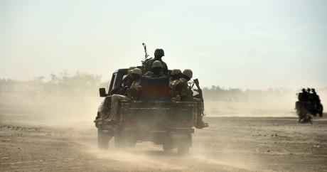 Une patrouille de soldats nigérians dans la région de Bosso, le 17 juin 2016. ISSOUF SANOGO / AFP
