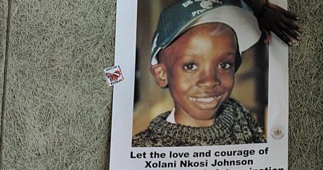 Une photo du jeune Nksoi Johnson lors de son enterrement en 2001. YOAV LEMMER / AFP
