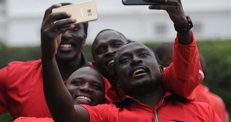 David Rudisha (à droite) ou encore Julius Yego (au centre) veulent jouer les premiers rôles aux JO. TONY KARUMBA / AFP