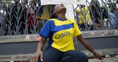 Une opposant manifeste devant l'ambassade du Gabon au Maroc, le 2 septembre 2016. FADEL SENNA / AFP