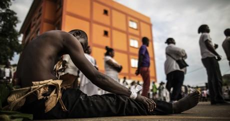 Des Gabonais prient en mémoire des victimes des violences postélectorales, le 6 septembre 2016 à Libreville. MARCO LONGARI / AFP