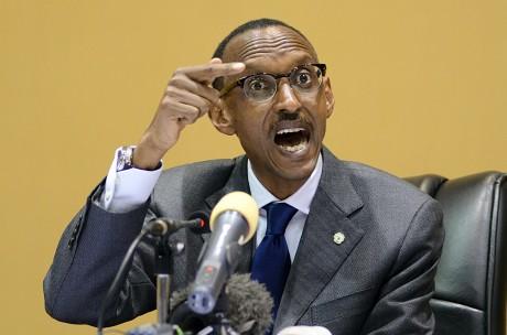 Paul Kagame, le président du Rwanda, le 12 décembre 2011 à Kampala en Ouganda. MICHELLE SIBILONI / AFP
