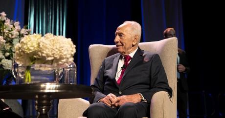 L'ancien président israélien Shimon Peres le 28 février 2016 à Johannesburg. MARCO LONGARI / AFP