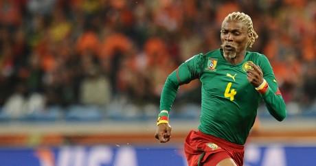 Rigobert Song sous le maillot du Cameroun en 2010. CARL DE SOUZA / AFP