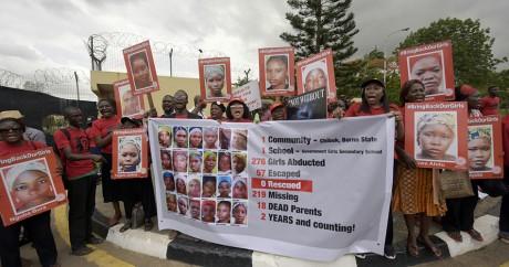 Des familles des lycéennes de Chibok manifestent à Lagos le 14 avril 2016. PIUS UTOMI EKPEI / AFP