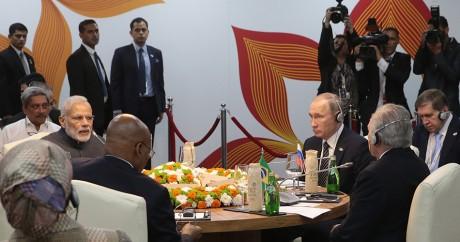 Le président russe Poutine, le président Sud-Africain Zuma et Modi, le Premier ministre indien, à Goa le 16 octobre. Photo AFP