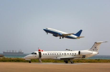 Un avion de la Daalo Airlines décolle de l'aéroport de Mogadiscio, le 17 janvier 2013, en Somalie AU-UN IST PHOTO/AFP/Archives