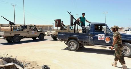 Des troupes du Gouvernement d'accord national à Syrte, le 22 août 2016. MAHMUD TURKIA / AFP