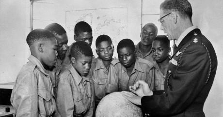 Une salle de classe en Rhodésie, aujourd'hui le Zimbabwe, en 1962. AFP