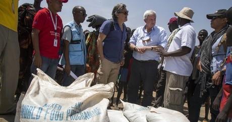 Stephen O'Brien, le secrétaire général de l'ONU pour l'humanitaire, au Soudan du Sud le 4 mars 2017. ALBERT GONZALEZ FARRAN /AFP