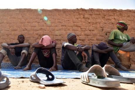 Les migrants africains vendus dans des marchés d'esclaves — Libye