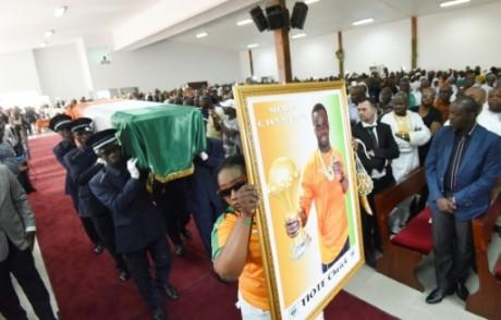 Le cercueil de Cheick Tioté lors de ses obsèques, le 18 juin 2017 à Abidjan AFP Sia KAMBOU